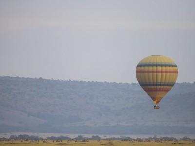 photo safari, fivezero safaris, photographic safari, wildlife, kurt jay bertels, great migration, wildebeest, kenya, masai mara, hot air balloon