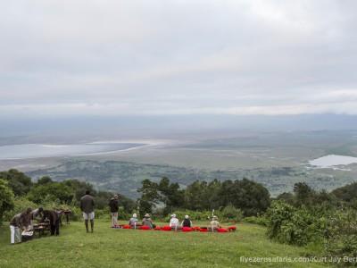 photo safari, photographic safari, wildlife photographic safari, photo tour, photo workshop, when to go, best, fivezero safaris, five zero, safari, kurt jay bertels, tanzania, ngorogoro crater, sundowner, drinks